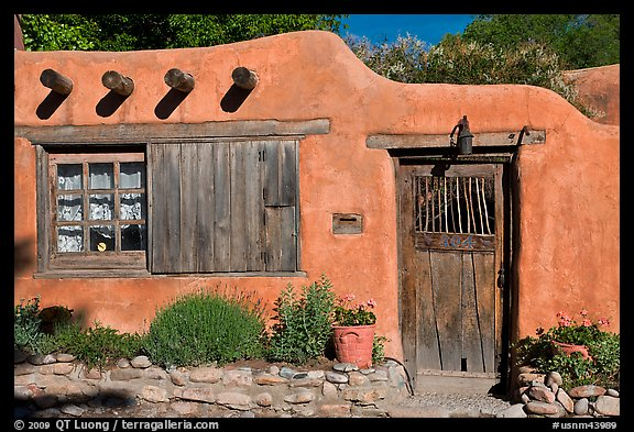 Picture photo adobe house santa fe new mexico usa for Adobe style mobile homes