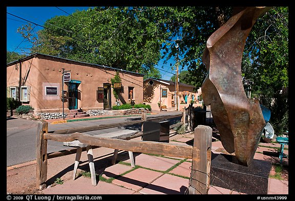 Modern sculpture and galleries on Canyon Road. Santa Fe, New Mexico, USA