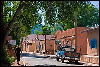 Canyon Road and art galleries. Santa Fe, New Mexico, USA