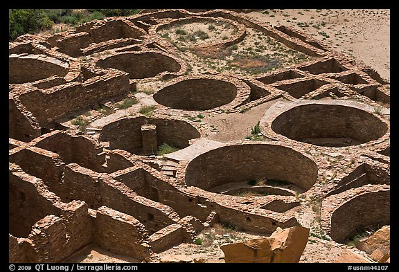 Kivas and rooms of Pueblo Bonito seen from above. Chaco Culture National Historic Park, New Mexico, USA