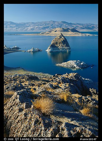 Shoreline and Pyramid. Pyramid Lake, Nevada, USA