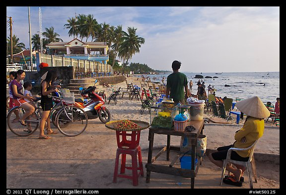 Food vendor,  Long Beach, Duong Dong. Phu Quoc Island, Vietnam (color)
