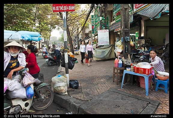 Street food vendors. Ho Chi Minh City, Vietnam (color)
