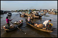 Market-goers, Cai Rang floating market. Can Tho, Vietnam ( color)