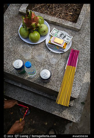 Traditional offering to the deceased. Ben Tre, Vietnam (color)