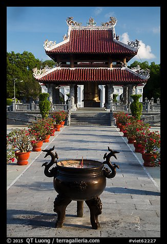 Urn and shrine, Hang Duong Cemetery. Con Dao Islands, Vietnam (color)