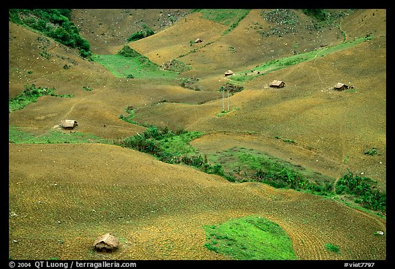 Homes on hillside, between Yeu Chau and Son La. Northwest Vietnam (color)