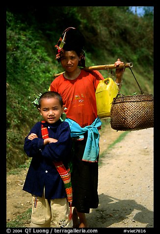 Ethnic minority woman and child, between Son La and Tuan Chau. Northwest Vietnam (color)