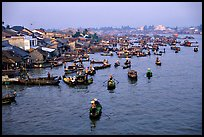 Cai Rang Floating market, early morning. Can Tho, Vietnam ( color)
