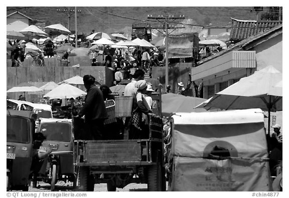 Truck carries villagers to the Monday market. Shaping, Yunnan, China (black and white)
