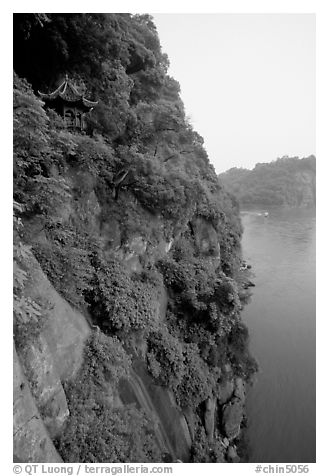 Bijin Pavillion in the cliffs of Lingyun Hill above the confluence of Min and and Dadu Rivers. Leshan, Sichuan, China (black and white)