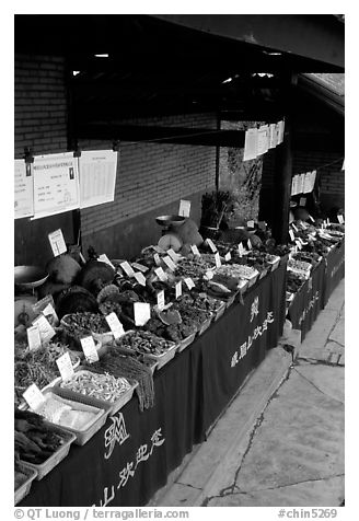 Fungus for sale at a stand near Jieyin Palace. Emei Shan, Sichuan, China (black and white)