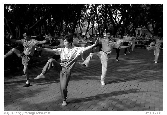 Collective exercise gymnastics, Liuha Park. Guangzhou, Guangdong, China (black and white)