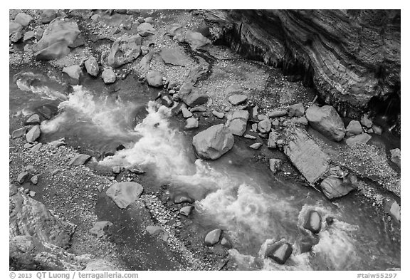Rapids of the Liwu River from above. Taroko National Park, Taiwan (black and white)