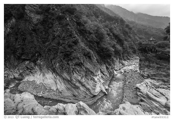 Gorge and Orchid Pavillion, Taroko Gorge. Taroko National Park, Taiwan (black and white)