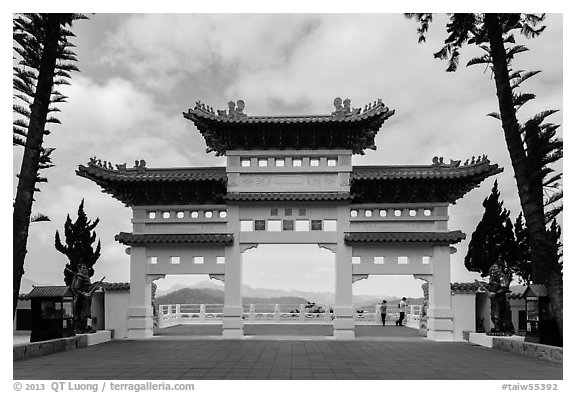 Gate, Syuanzang Temple. Sun Moon Lake, Taiwan (black and white)