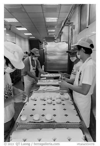 Workers in dumpling bakery. Lukang, Taiwan (black and white)