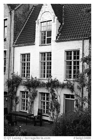 House by the canal. Bruges, Belgium (black and white)
