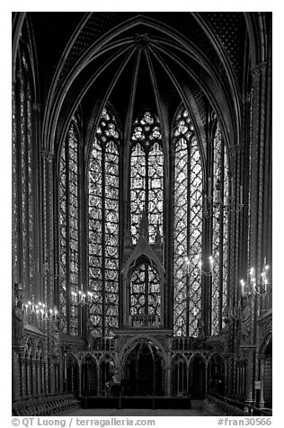 Pianist in the upper Holy Chapel. Paris, France (black and white)