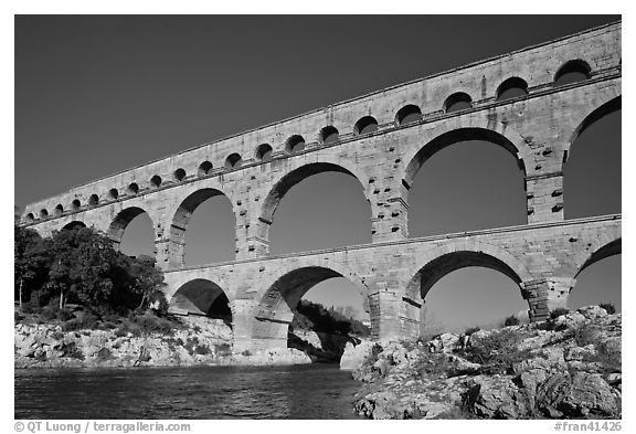 black and white picture photo roman aqueduct over gard river france. Black Bedroom Furniture Sets. Home Design Ideas