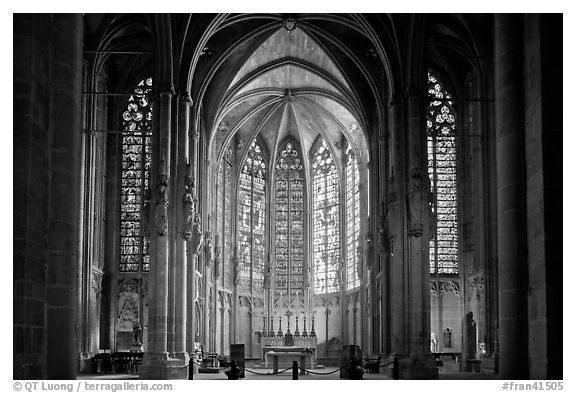 Interior and stained glass windows, basilique Saint-Nazaire. Carcassonne, France (black and white)