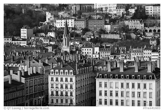Eglise St-George, vieille ville. Lyon, France (black and white)