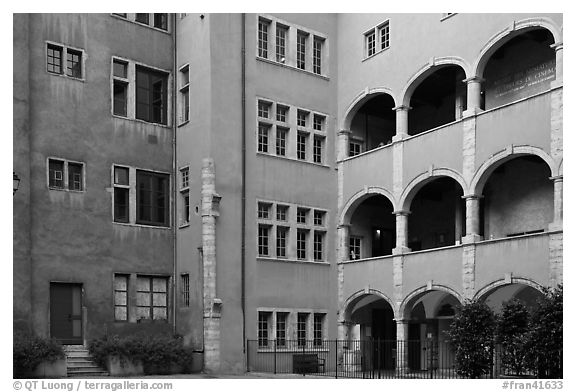 Three-story gallery, Maison des Avocats. Lyon, France (black and white)