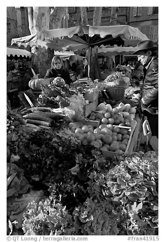 Vegetable stall, open-air market. Aix-en-Provence, France (black and white)