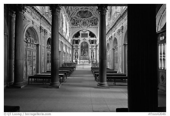 Chapelle de la Trinite, lower level, Chateau de Fontainebleau. France (black and white)
