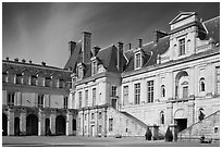 Cour de la Fontaine, Fontainebleau Palace. France ( black and white)