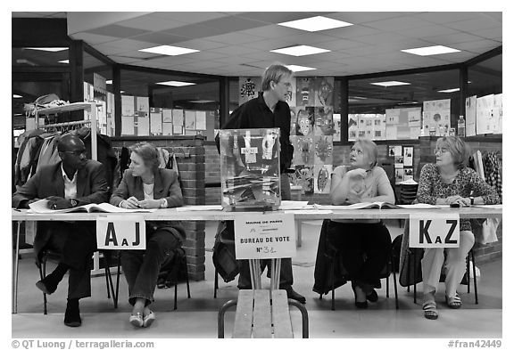 Voting booth, 2008 French presidential election. Paris, France (black and white)