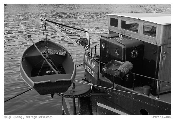 Rowboat on the rear of peniche. Paris, France (black and white)