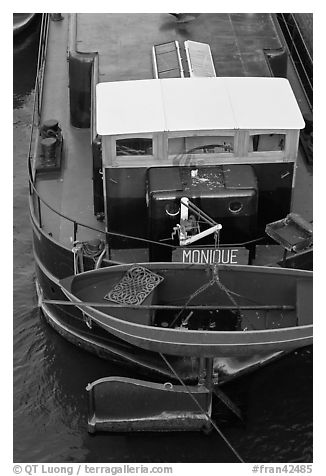 Reconverted peniche (barge). Paris, France (black and white)