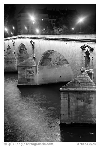 Pont-Neuf at night. Paris, France (black and white)
