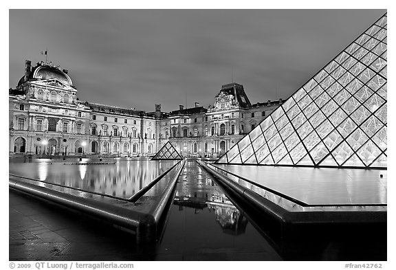 IM Pei Pyramid and Sully Wing at night, The Louvre. Paris, France (black and white)