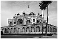Main mausoleum, Humayun's tomb. New Delhi, India (black and white)
