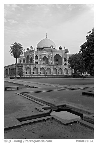 Watercourses and main memorial monument, Humayun's tomb. New Delhi, India (black and white)