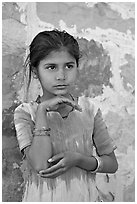 Young girl. Jodhpur, Rajasthan, India (black and white)