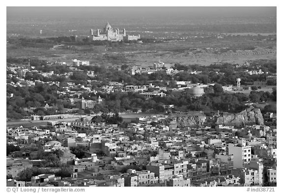 Old town, with Umaid Bhawan Palace in the distance, Mehrangarh Fort. Jodhpur, Rajasthan, India (black and white)