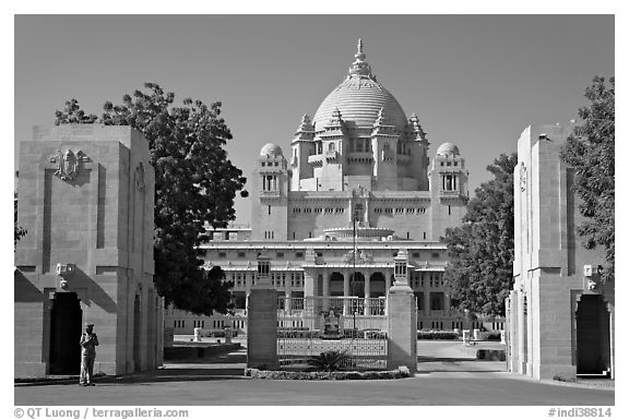 Entrance of Umaid Bhawan Palace. Jodhpur, Rajasthan, India (black and white)