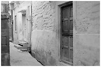 Narrow street. Jodhpur, Rajasthan, India (black and white)