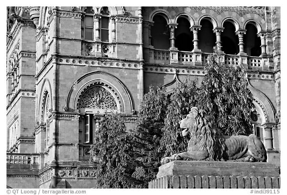 Lion and facade, Chhatrapati Shivaji Terminus. Mumbai, Maharashtra, India (black and white)