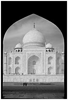 Taj Mahal framed by arch of Jawab. Agra, Uttar Pradesh, India (black and white)