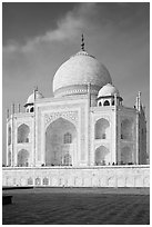 Tomb, Taj Mahal. Agra, Uttar Pradesh, India (black and white)