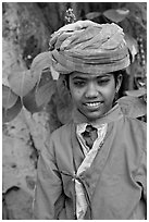 Boy with turban. Agra, Uttar Pradesh, India (black and white)
