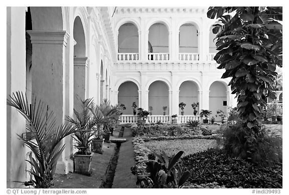 Garden in courtyard of Basilica of Bom Jesus, Old Goa. Goa, India (black and white)