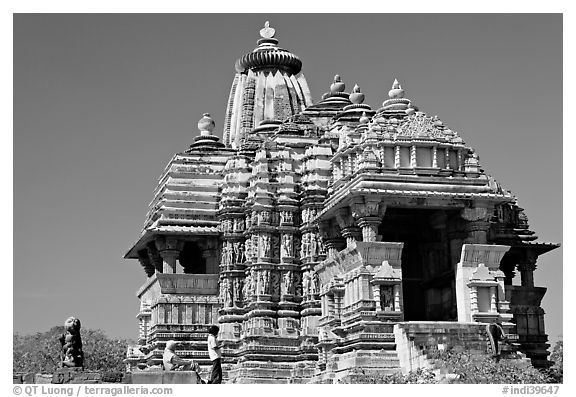 Front of Devi Jagadamba temple. Khajuraho, Madhya Pradesh, India (black and white)