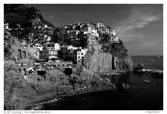Black and white picture photo manarola cinque terre liguria italy