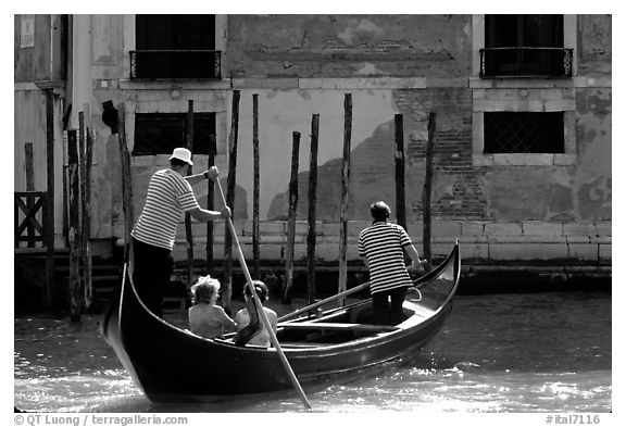 Traghetto crossing. Venice, Veneto, Italy (black and white)