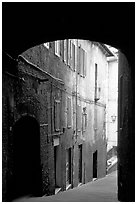 Archway and narrow street. Siena, Tuscany, Italy ( black and white)